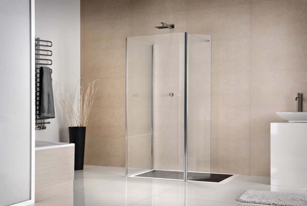 come scegliere la cabina doccia scelta box doccia. Black Bedroom Furniture Sets. Home Design Ideas