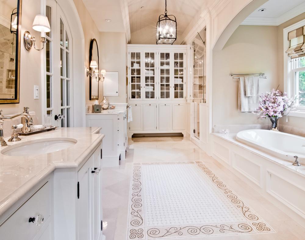 come arredare un bagno elegante